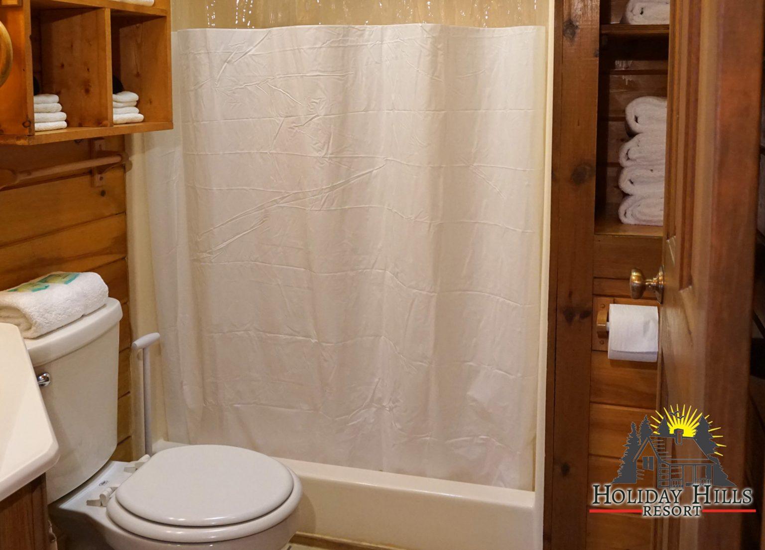 7 - log cabin Bathroom